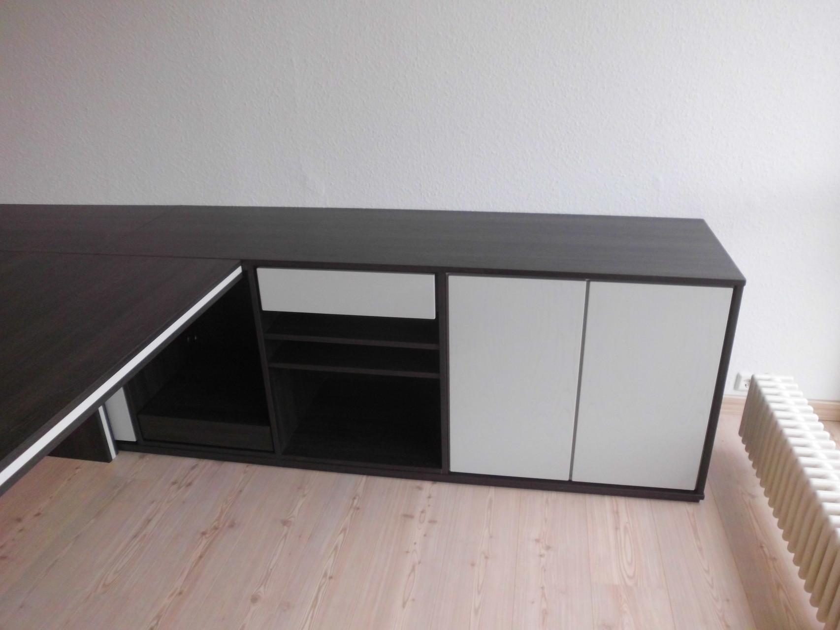Schreibtisch mit Druckerplatz und Schublade