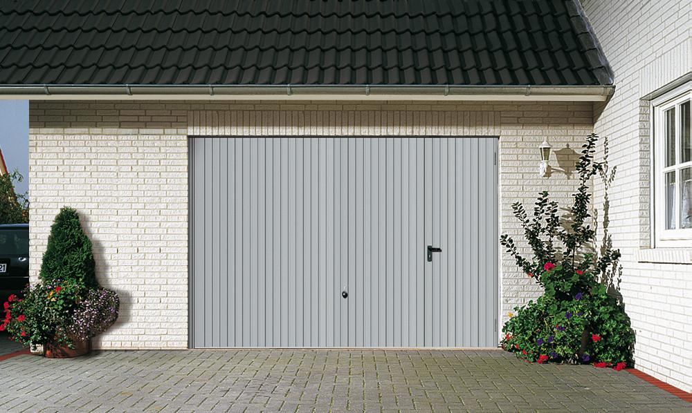Garagentor mit tür  Garagentore - Kreuzkam - Türen,Tore und Antriebe