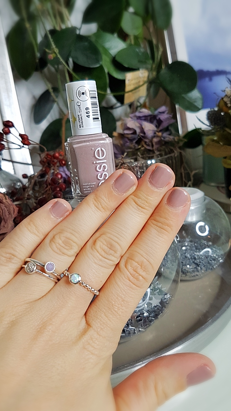 "Essie ""Sweet Tarte"" * Affiliate Link"