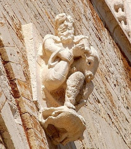 """""""Il cavaspina"""", circa XII secolo (Trani, Cattedrale di San Nicola Pellegrino)"""