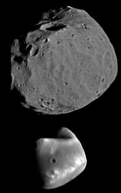 Phobos (oben) und Deimos (unten) im Größenvergleich