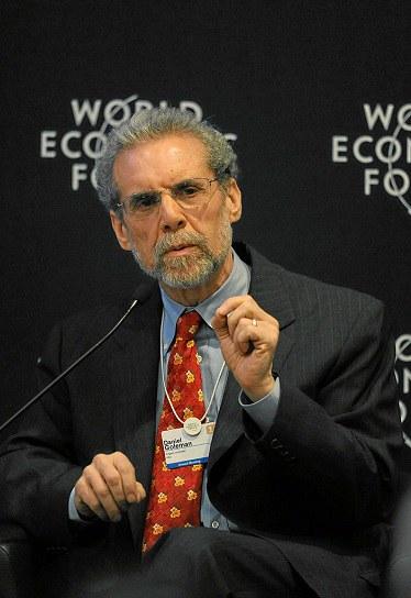 """Daniel Goleman auf dem jährlichen """"World Economic Forum"""" Treffen 2011, via Wikimedia Commons"""