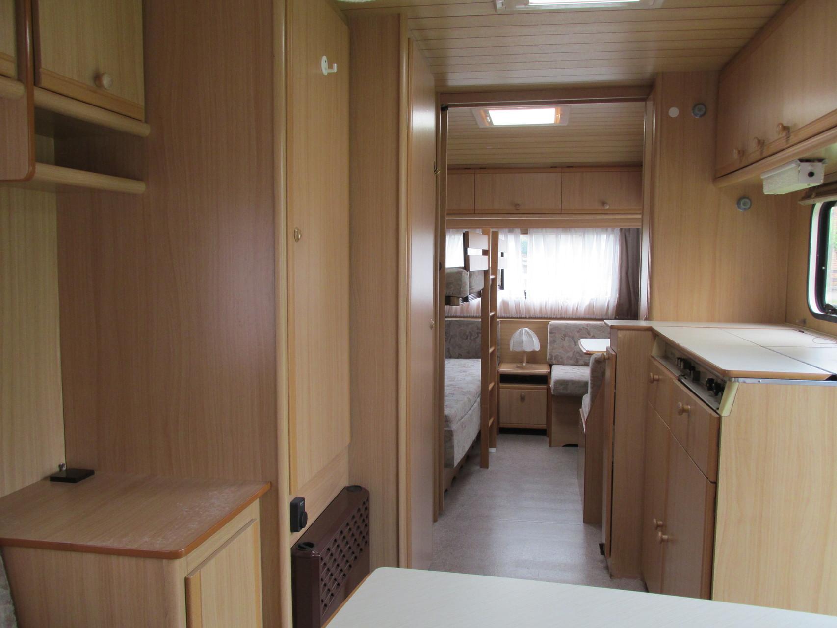 dethleffs camper 530 tk camping vermietung. Black Bedroom Furniture Sets. Home Design Ideas