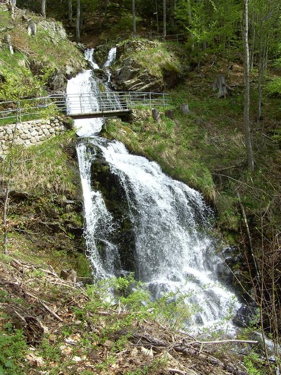 Wasserfall von unten © Hartmut Hermanns