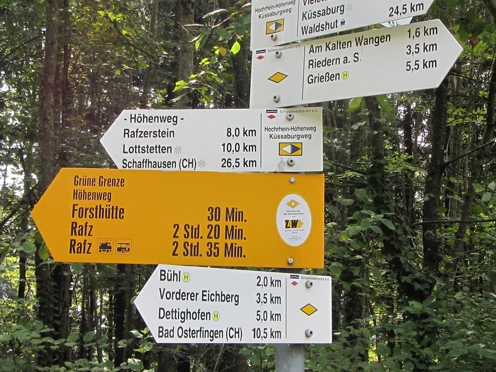 Deutsche und Schweizer Markierung vereint - nicht lange © Hartmut Hermanns
