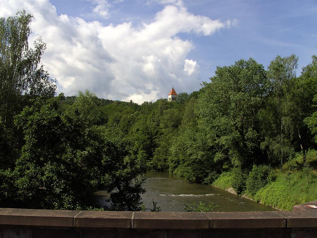 Auf der Nagoldbrücke in Dillweißenstein                                    © Hartmut Hermanns