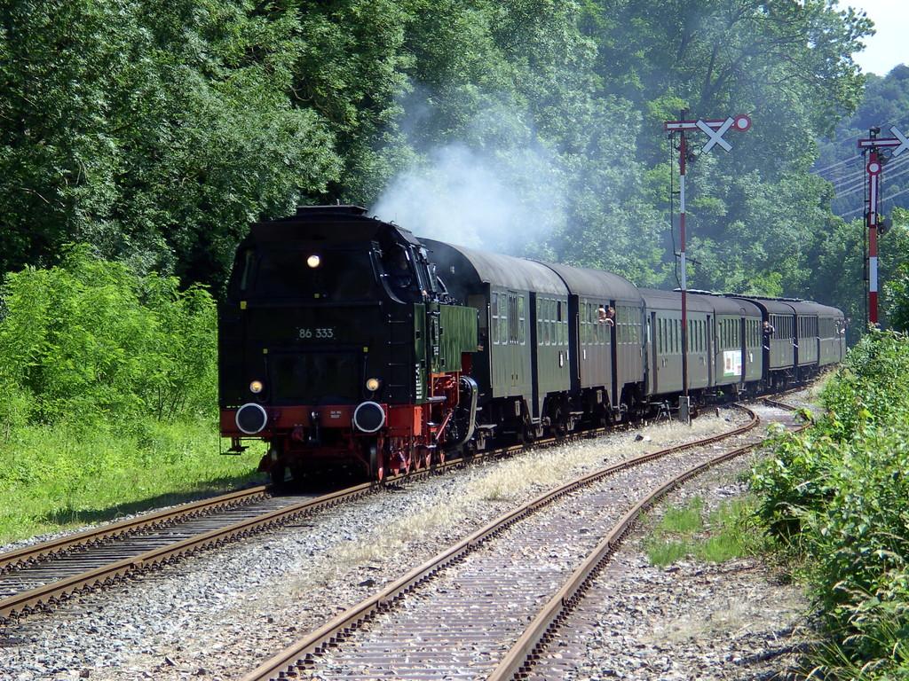 Der Zug läuft ein   © Hartmut Hermanns