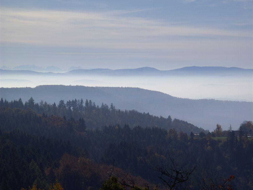 Jura über den Nebeln im Rheintal © Hartmut Hermanns