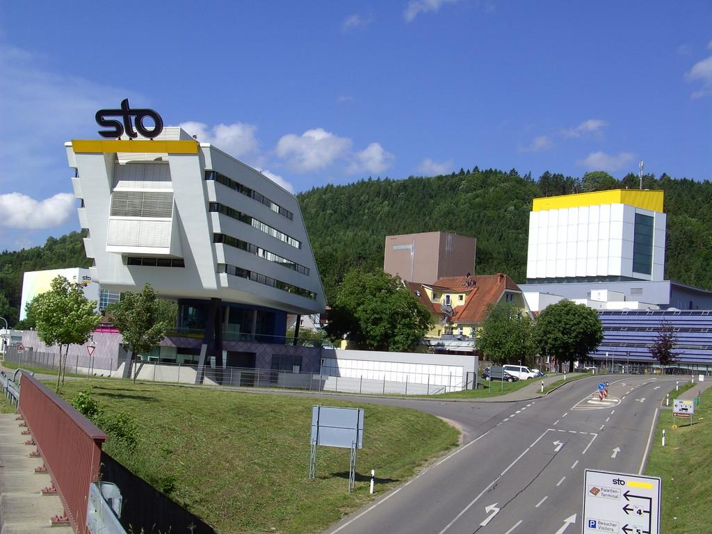 Futuristische Architektur - die Firma STO in Weizen    © Hartmut Hermanns