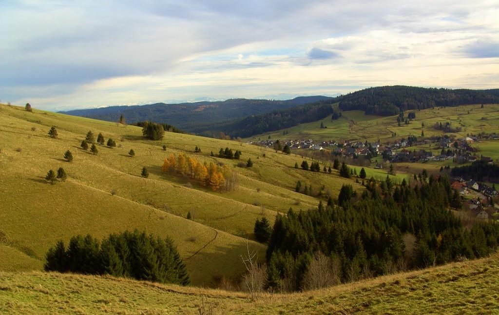 Vue vers  Oberlehen   © Hartmut Hermanns