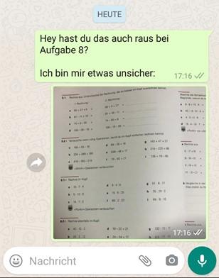 Screenshot einer Lerngruppe auf Whatsapp zum Mathe lernen.