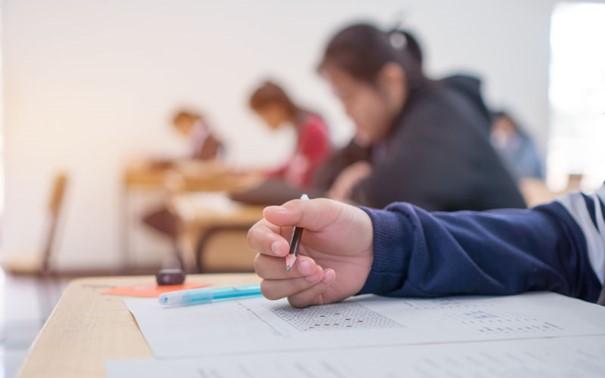 Schüler während einer Prüfung.