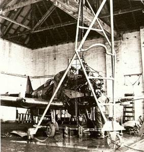 Spitfire dans le bâtiment Repair and Inspection