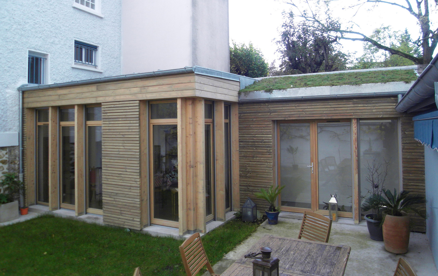 Extension bois et r novation d 39 une maison suresnes 92 for Extension maison 92