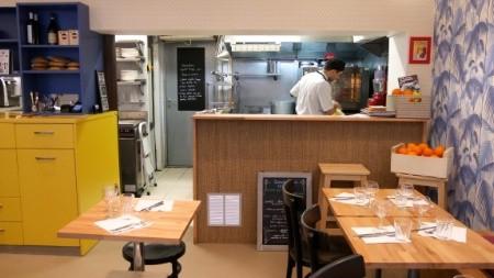 La cuisine ouverte vers la salle, une volonté de transparence  www.lhotellerie-restauration.fr