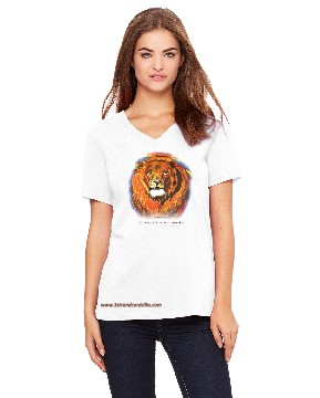 White T Shirt with a Lion's face on the front