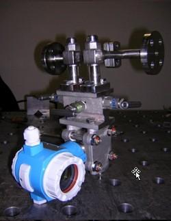 MS 5 für Dampf, für horizontalem Rohrverlauf. Prozessanschluss : DIN- Flanschen NN 15 / PN 40