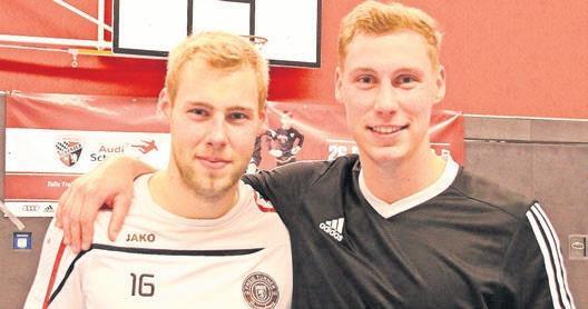Im Finale setzte sich Lukas Stahlbock (links) mit den Freien Turnern Braunschweig ii gegen seinen zwei Jahre älteren Bruder Niklas Stahlbock und die Wendland-auswahl mit 5:2 durch.
