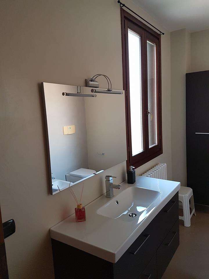 Bagni in resina benvenuti su resinedesign art decor pavimenti rivestimenti in resina e - Bagno prefabbricato per interni ...