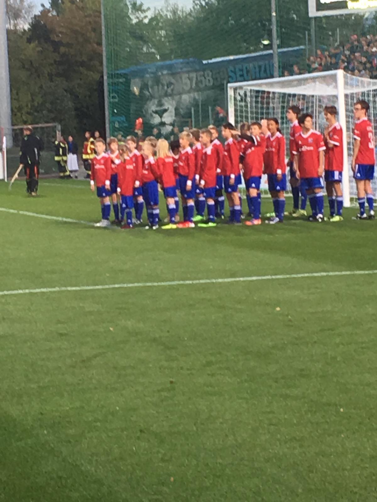 Einlaufkids SpVgg Unterhaching gegen TSV 1860