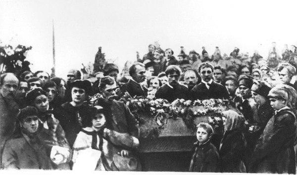 Панихида під час перепоховання праху Шевченка
