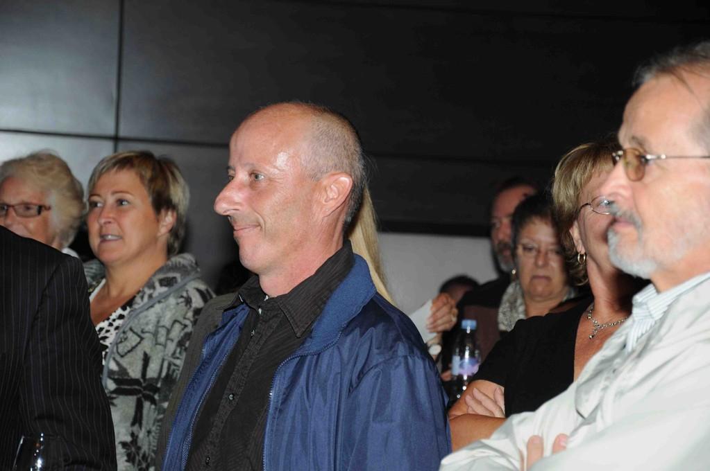 Tiens mon beau-fils Denis Morel, conjoint de ma fille Sophie et Réal Lemire à droite.