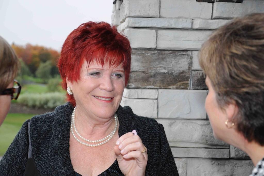 Quel plaisir que de revoir mes amis. En discussion avec Carole Jonhson.