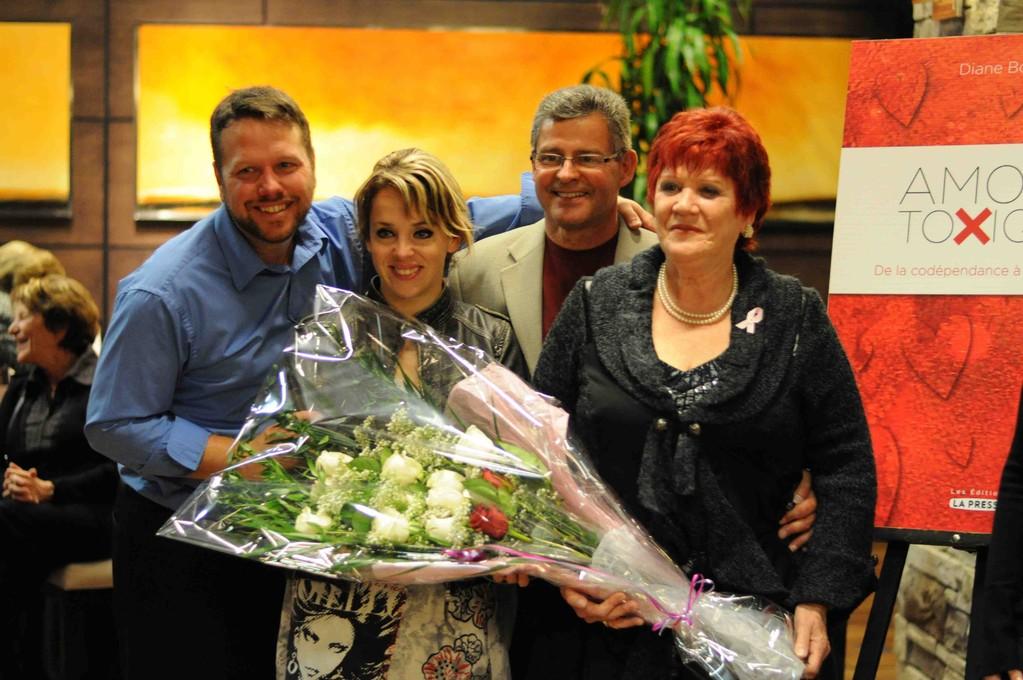 Merci mes amours pour les belles roses blanches. XXXX Patrice, Anne-Renée, Normand et moi.