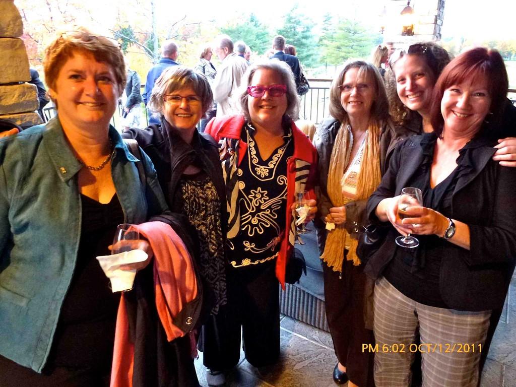 De gauche à droite: Jacynthe Dicaire, Danielle Lepage, Sue Murphy, Thérèse Lepage, Sophie Moreau et  Ginette Laliberté.