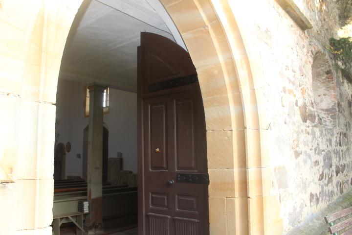 Eingang zur Kirche - Hereinspaziert!