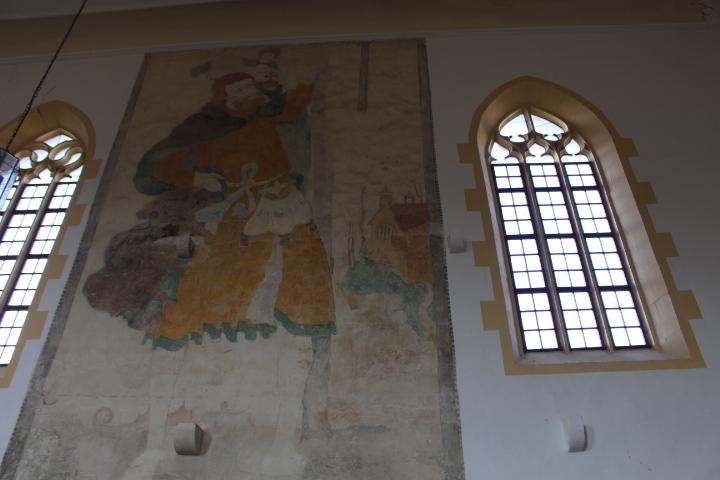 Das ist Christophorus, er trägt Christus auf seinen Schultern.