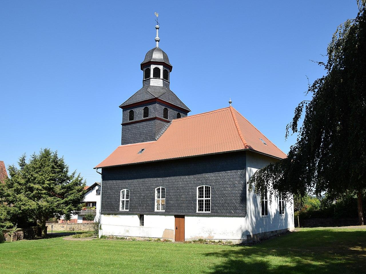 Kirche Sichertshausen, Bildquelle: Hydro, Wikipedia
