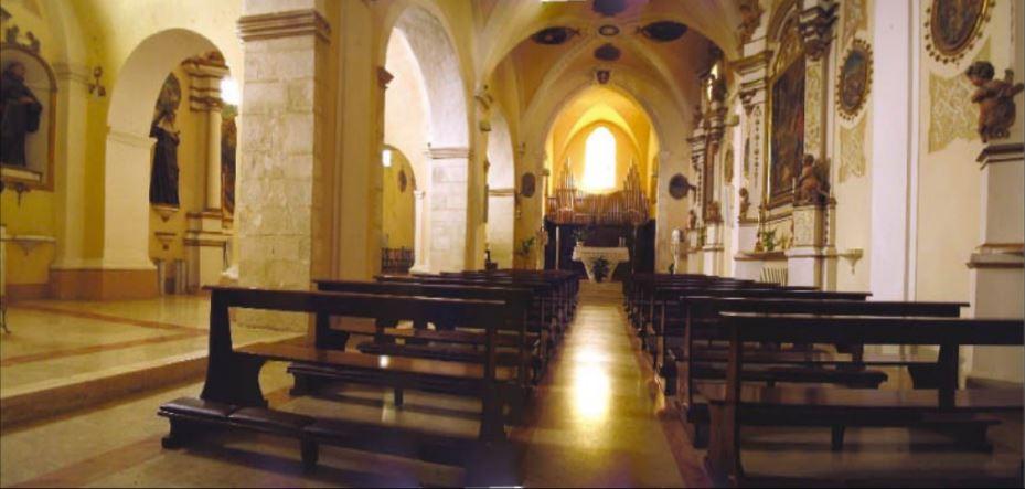 Interno della chiesa di Santa Maria del Paradiso