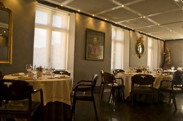 Mesas del restaurante Tubal de Tafalla