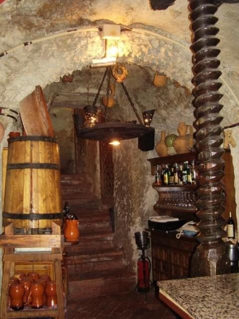 Cueva del restaurante en Tariego