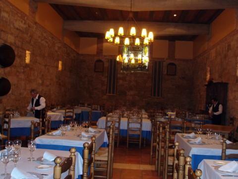 Salón del restaurante la Bodega del Canal en Palencia