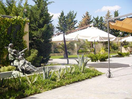Jardines restaurante asador Gayarre Zaragoza