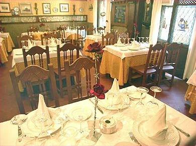 Salonaes del Restaurante La Oficina de Segovia