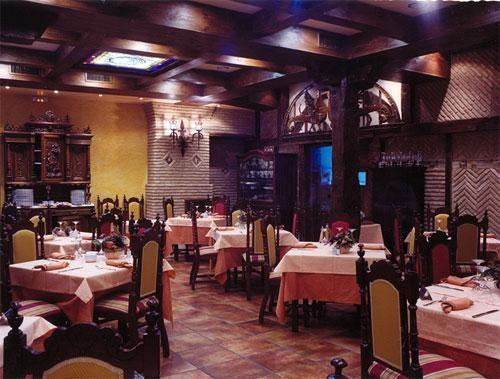 Comedor del restaurante Pepe's de Palencia