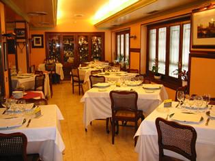 Salón del restaurante Víctor de Bilbao
