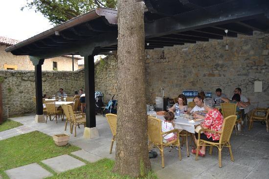 Jardines restaurante Santillana del Mar