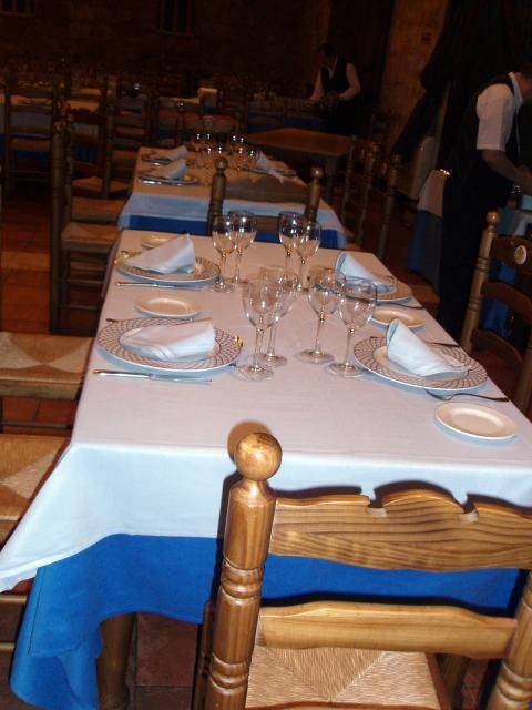 Mesas amplias en el restaurante palentino recomendado