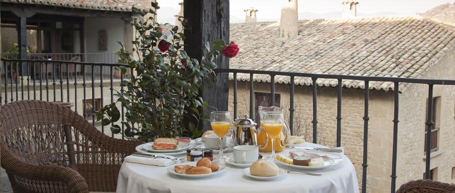 Desayuno en el Parador de Sos del Rey Católico