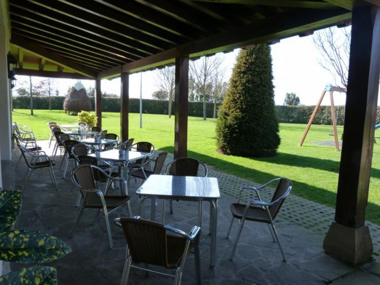 Terrazas y jardín Mutiloa