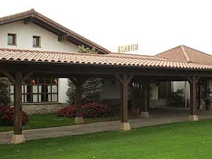 Jardines del restaurante Mutiloa