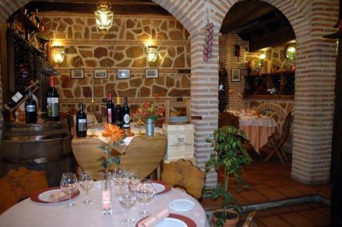 Salón del restaurante Mesón La Orza de Toledo