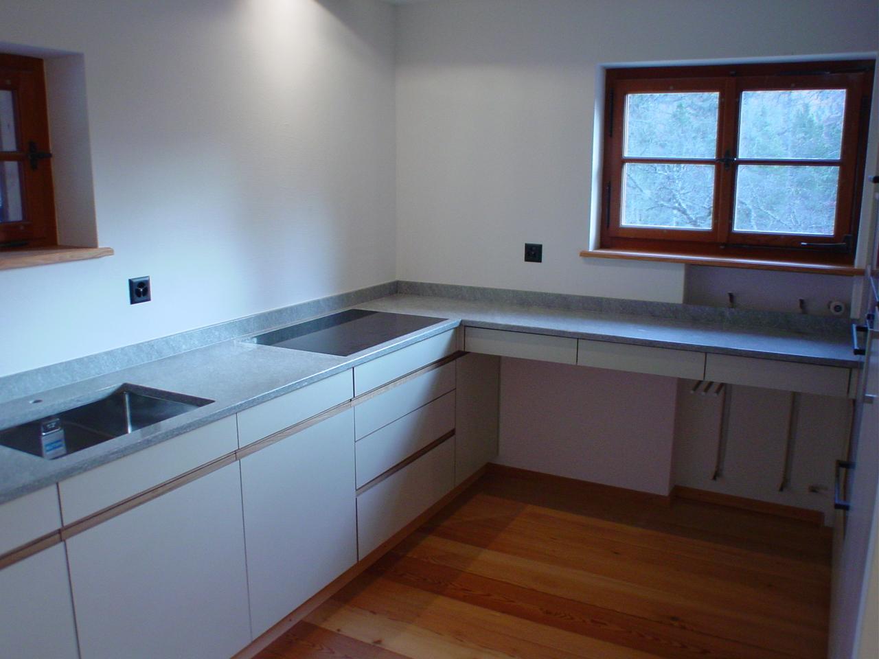 Küche nach Mass Weiss
