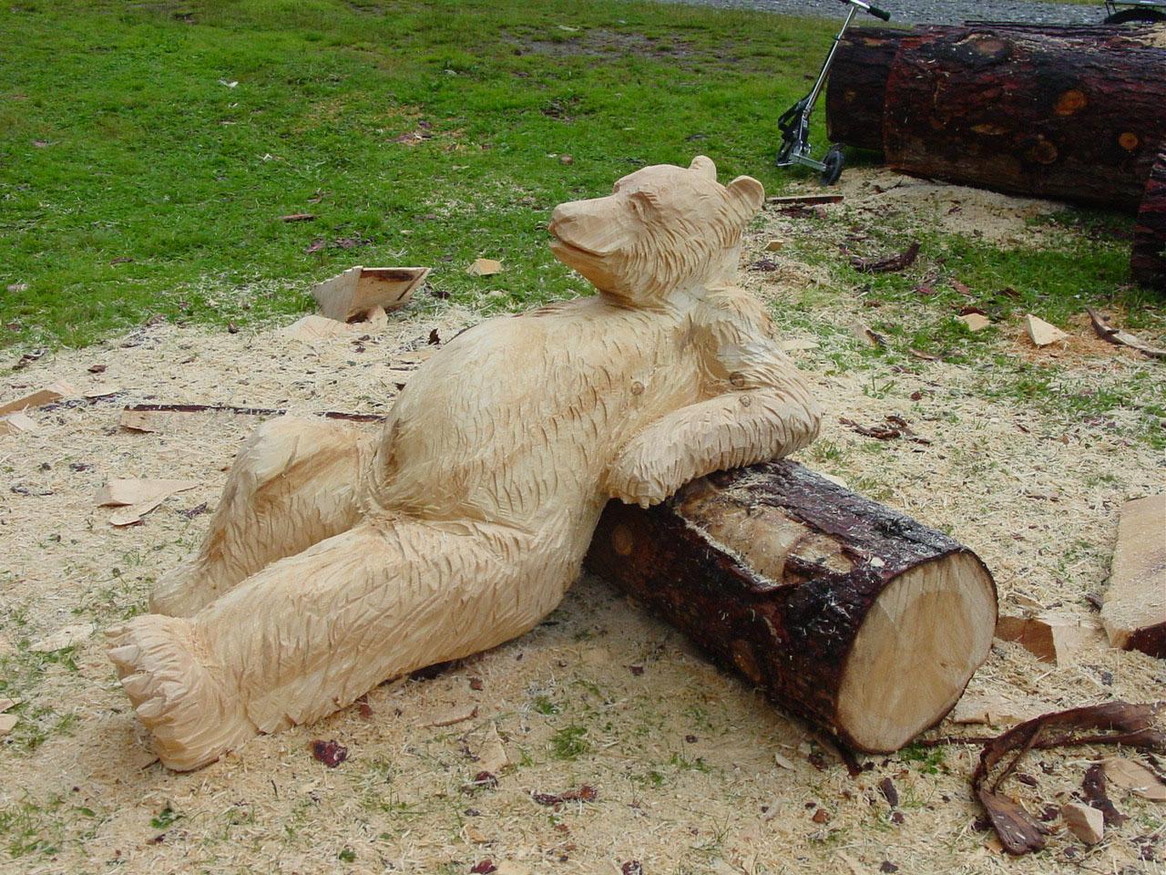 Bär Holzskulptur