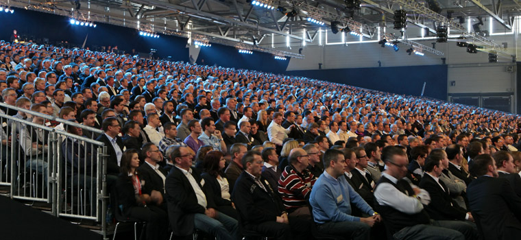 4.000 pax conference with dinner following right behind the screens. With Team Sollik 2012.