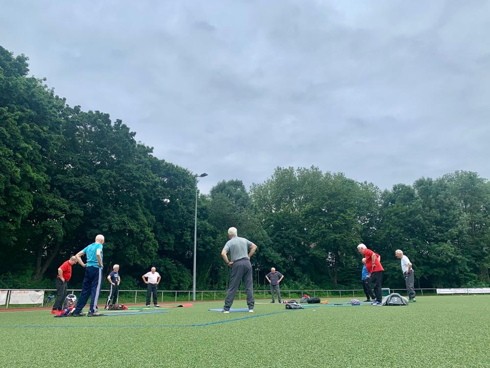 Die aktiven Jedermänner am 25.06.2021 am Sportplatz an der Deutsch-Luxemburger-Straße.